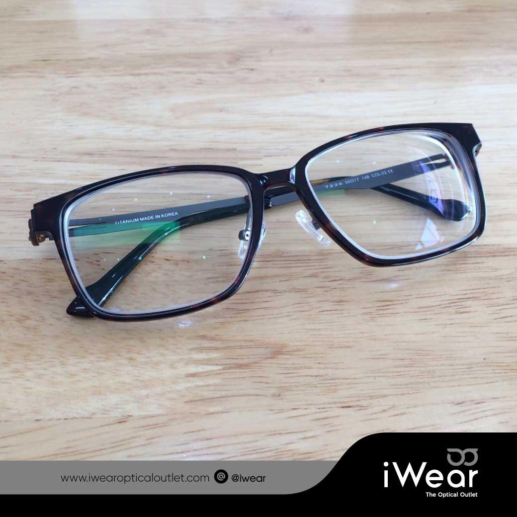แว่นสายตา Titanium IP  เลนส์ออกแดดเปลี่ยนสี