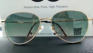 แว่นสายตา กรอบแว่นเนื้อวัสดุ B-TITANIUM รุ่น T1037 C4