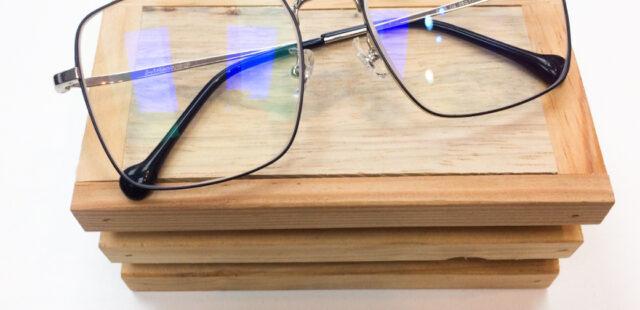 ผลงานประกอบแว่น กรอบแว่นตา B-Titanium
